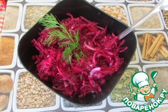 Рецепт: Салат из квашеной капусты и свеклы