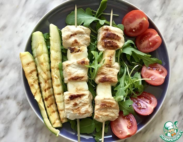 Рецепт: Шашлычки из курицы и сыра халуми