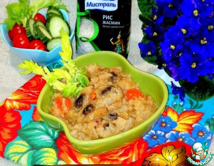 Рецепт: Тушёная капуста с шампиньонами и рисом