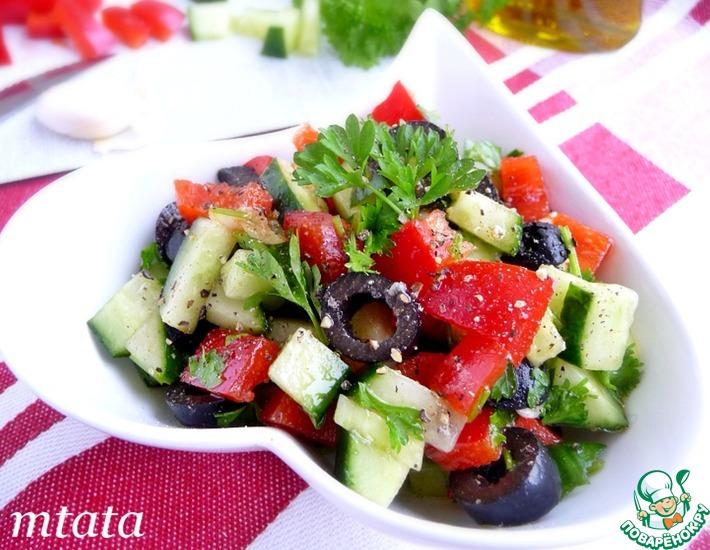 Рецепт: Салат из огурца и маслин