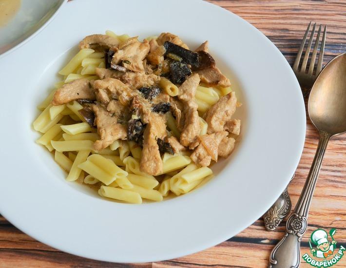 Рецепт: Куриная грудка в сливочно-грибном соусе