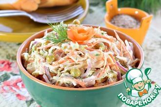 Рецепт: Салат из молодой капусты с курицей
