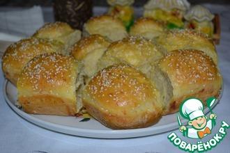 Рецепт: Сырные пампушки с пикантной начинкой