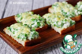 Рецепт: Бутерброды с яйцами и черемшой