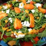 Салат из рукколы с абрикосами