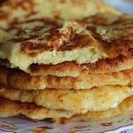 Сырные кукурузные лепешки на сковороде
