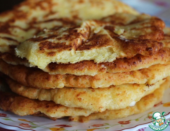 Рецепт: Сырные кукурузные лепешки на сковороде