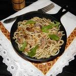 Спагетти с соусом из сардин