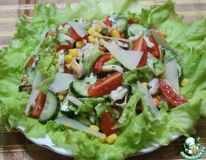 Рецепт: Салат с морепродуктами Голос моря