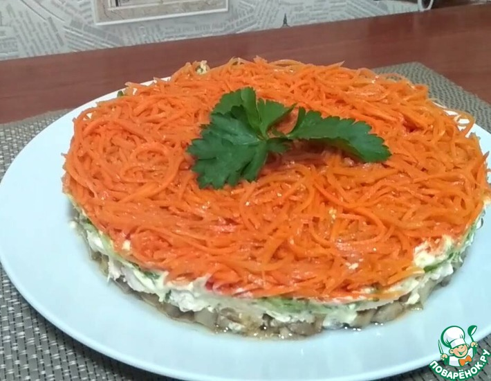 Рецепт: Салат с грибами и корейской морковью