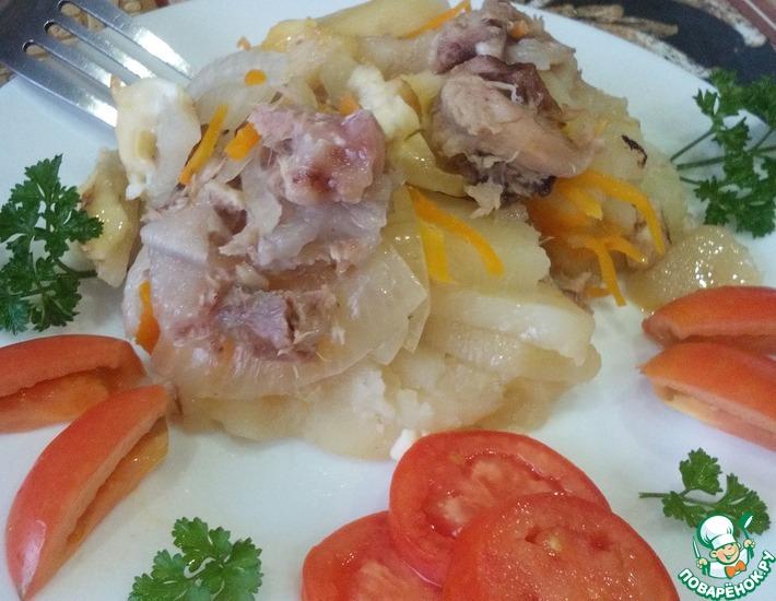 Рецепт: Картофель с тушенкой в духовке