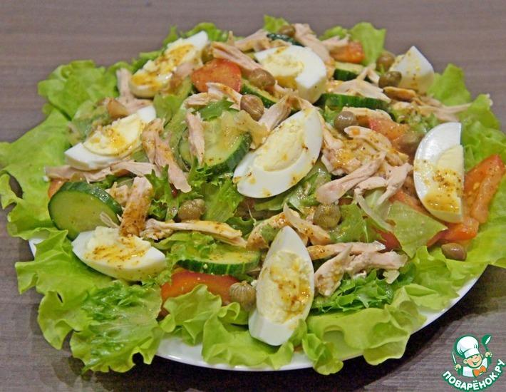 Рецепт: Овощной салат с курицей и каперсами