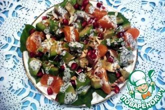 Рецепт: Салат с авокадо, мандаринами и шпинатом