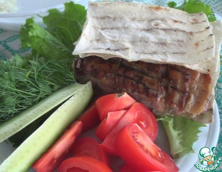Рецепт: Мясо в беконе на мангале