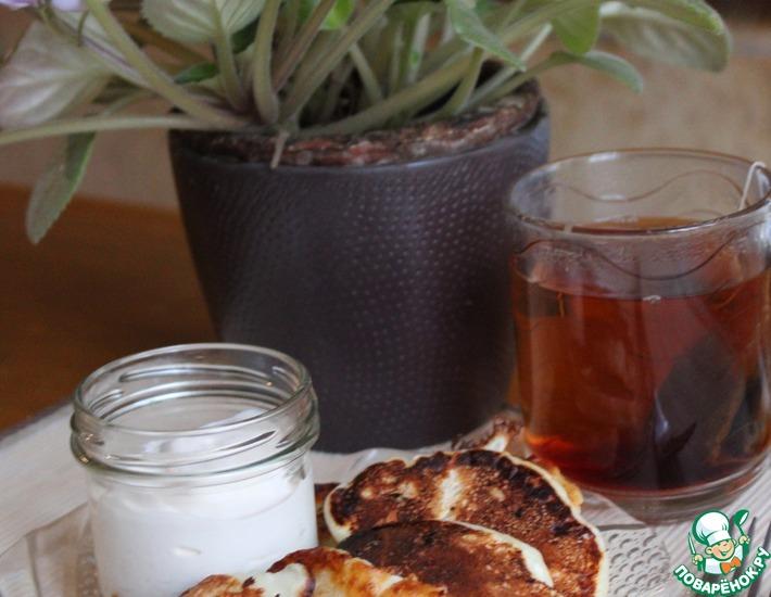 Рецепт: Творожно-ванильные оладьи на сметане