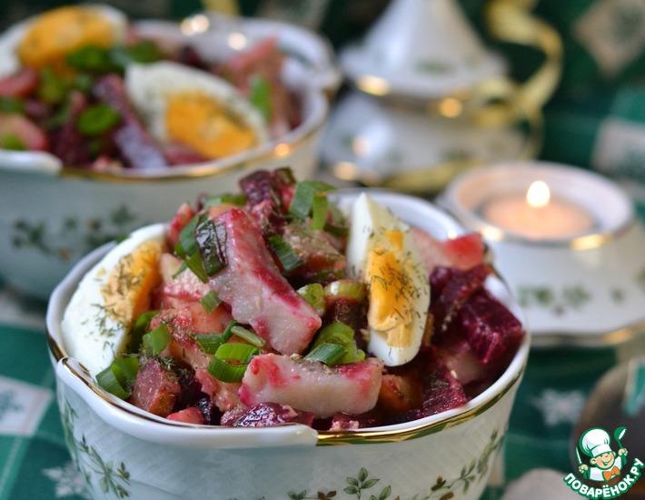 Рецепт: Салат со свеклой и сельдью