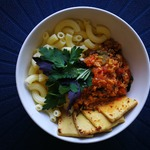 Безглютеновые макароны с соусом и сыром тофу