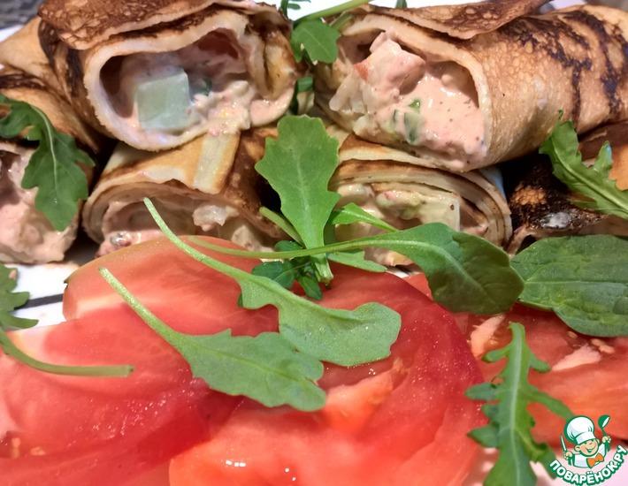 Ролл с креветками и ягодным майонезом