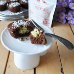 Шоколадные кексы с творожно-кокосовыми шариками
