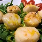 Морские гребешки в медово-лимонном соусе