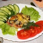 Эскалоп с соленым огурцом под соусом