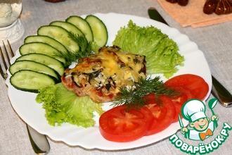 Рецепт: Эскалоп с соленым огурцом под соусом