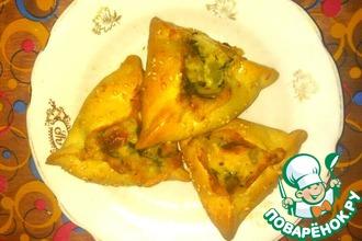 Рецепт: Открытые пирожки с сырным соусом и шпинатом