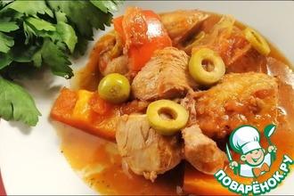 Рецепт: Курица по-испански с оливками и перцем