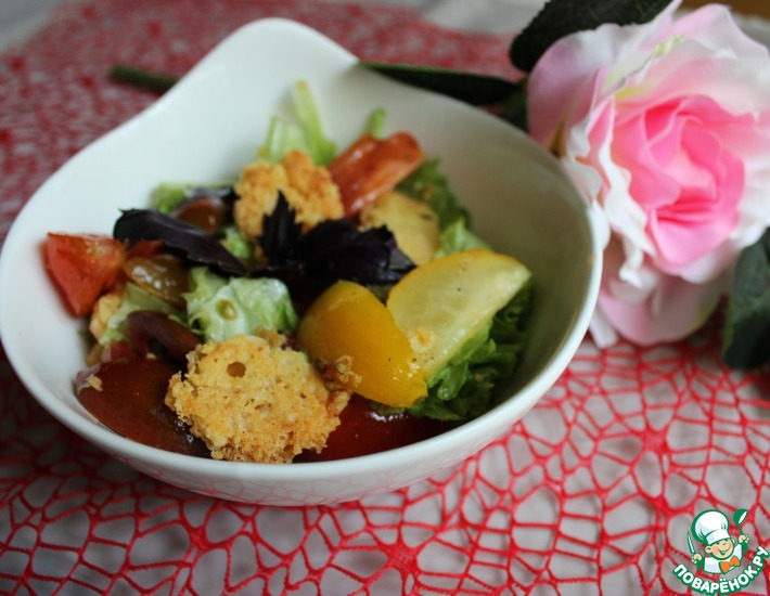 Рецепт: Салат с сырными чипсами