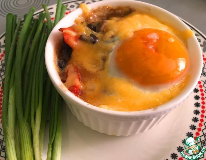 Рецепт: Чёрная фасоль с грибами и яйцом