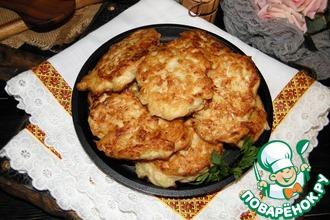 Рецепт: Картофельно-куриные оладьи с сыром