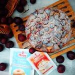 Кекс из поленты со сливами