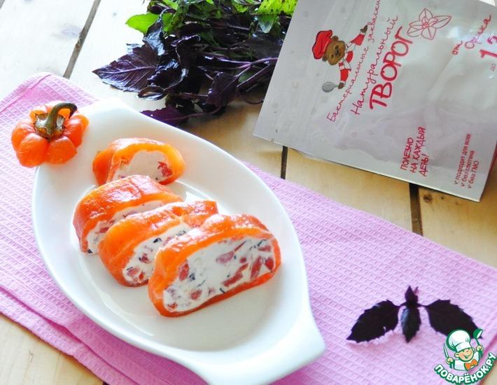 Рецепт: Перец, фаршированный творогом и помидорами
