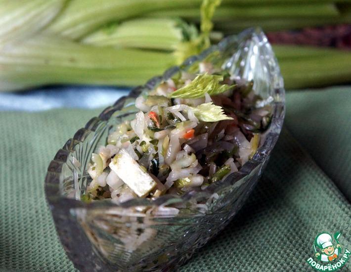 Салат с сельдереем, яблоком и капустой