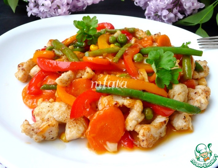 Рецепт: Быстрая курица в соусе с овощами