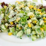 Салат с огурцами и кукурузой