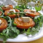 Салат с абрикосами