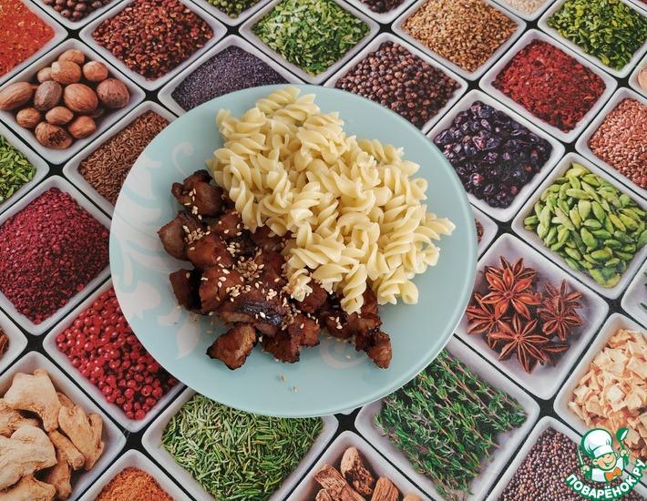 Рецепт: Свинина в медовом соусе с кунжутом
