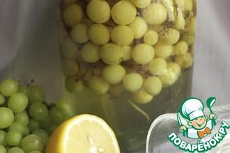 Рецепт: Компот из винограда с веточками