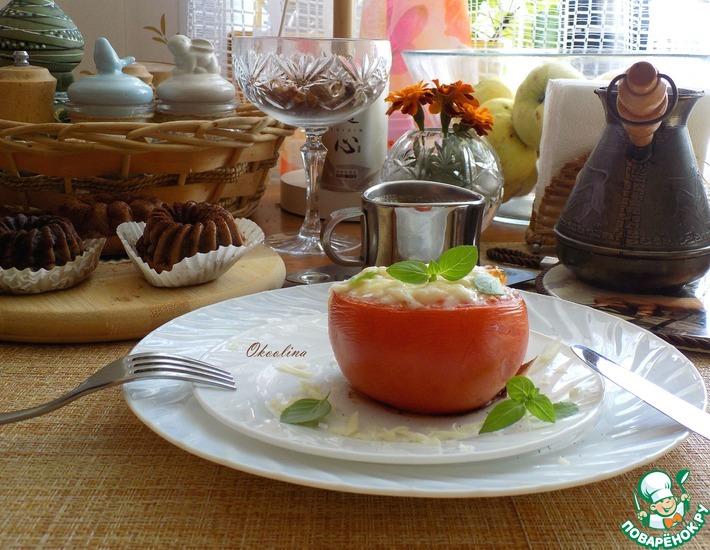 Рецепт: Яичница в помидоре под сыром