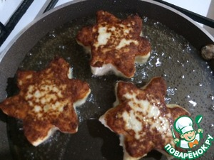 Give shape to our cutlets and fry in vegetable oil on both sides until Golden brown.
