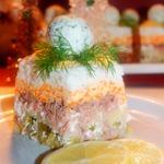 Слоеный зимний салат