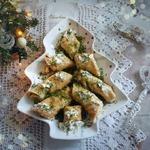 Луковые блины с колбасно-сырной начинкой