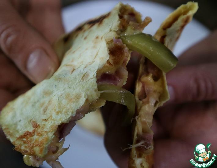 Рецепт: Горячие такос с курицей и сыром
