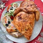 Курица, фаршированная ветчиной и овощами