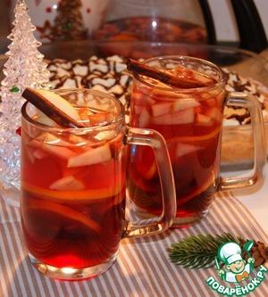 Сервировать с палочкой корицы и дольками яблок.   Мужу можно плеснуть 1 ст. л. коньяка (рома или виски) и добавить розовый перец.