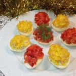 Фаршированные яйца Огоньки