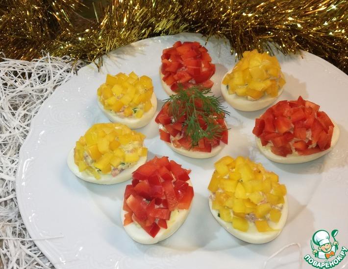 Рецепт: Фаршированные яйца Огоньки