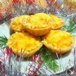 Тарталетки с сырно-луковой начинкой