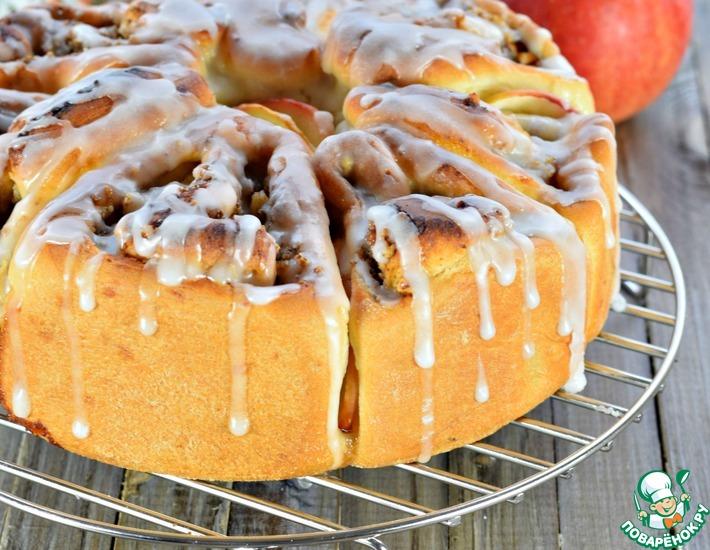 Рецепт: Пирог с яблоками, орехами и корицей
